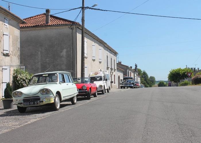 L'ancienne Nationale 10 à Pétignac
