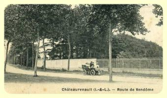 entree-nord-chateau-renault-1.jpg