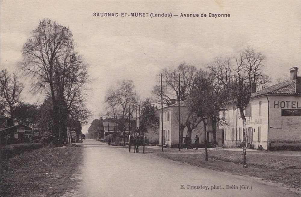 L'auberge Lafargue, à droite au début du XXe siècle