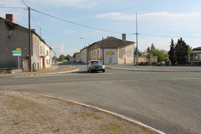 Le carrefour dans le sens Paris-Province