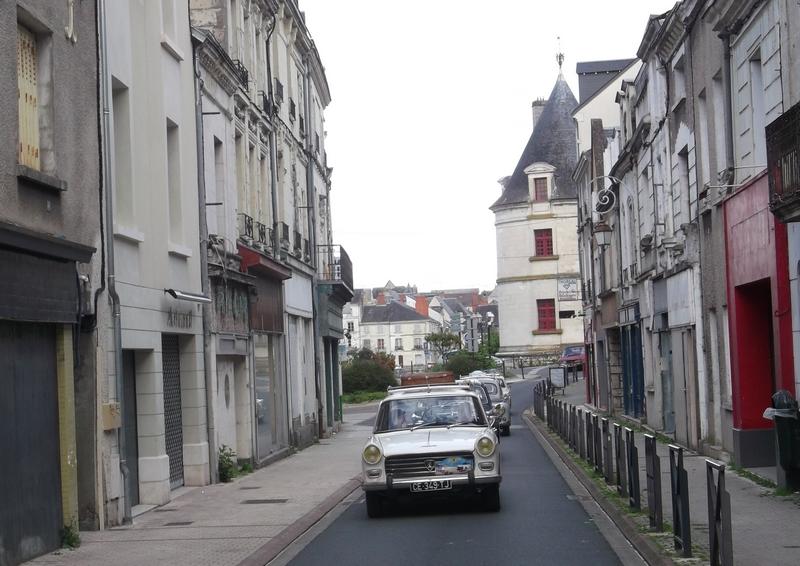 Le faubourg Châteauneuf à Châtellerault, N10 jusqu'en... 1965 !