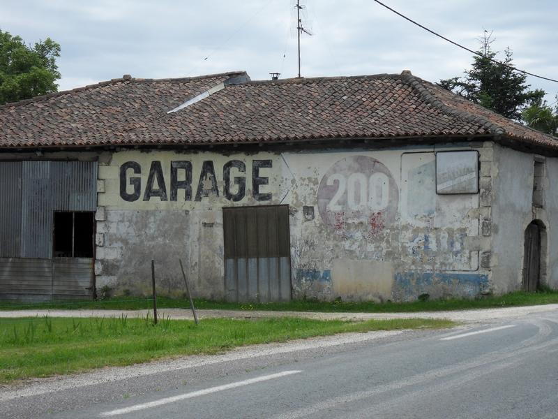 Entrée nord de Pouillac (Charente Maritime)