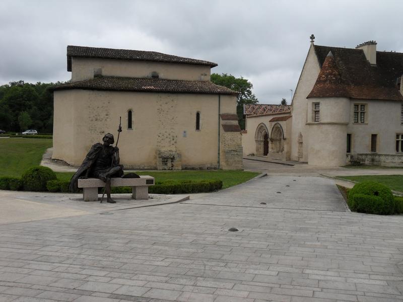 Le prieué de Cayac à Gradignan qui vit passer la N 10 entre ses bâtiments jusqu'en 1982 !