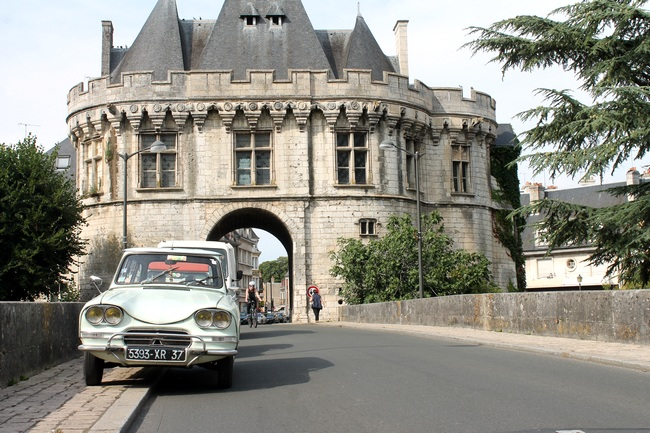 Vendôme, le pont sur le Loir, porte Saint-Georges